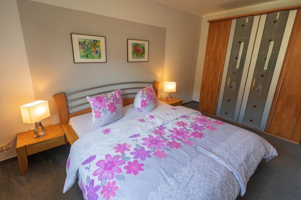 WEB-_0054_Apfelblüte F2 Schlafzimmer!