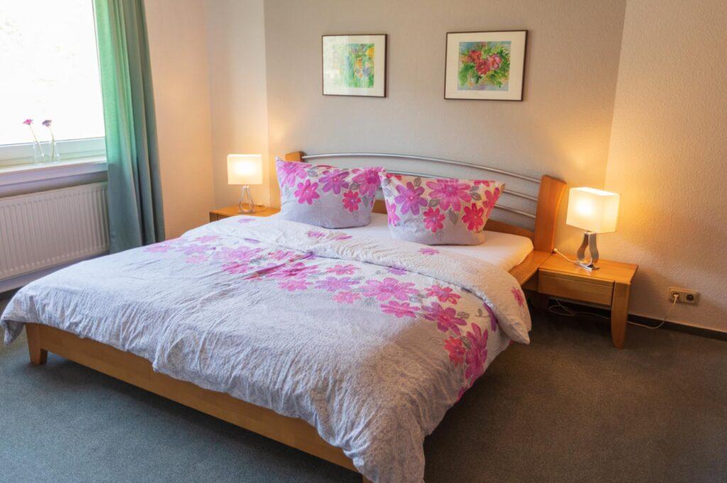 WEB-_0055_Apfelblüte F2 Schlafzimmer!!
